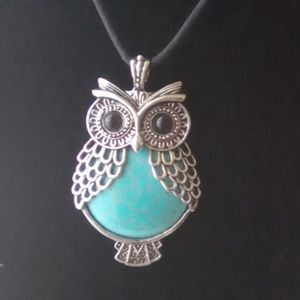 Owl Pendant. Silver & Turquoise Owl Pendant.